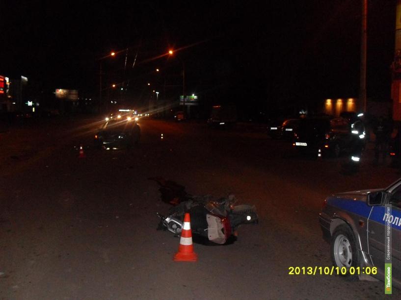 Сегодня ночью в ДТП пострадал 20-летний скутерист