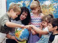 Дмитрий Медведев решил переучивать школьных учителей