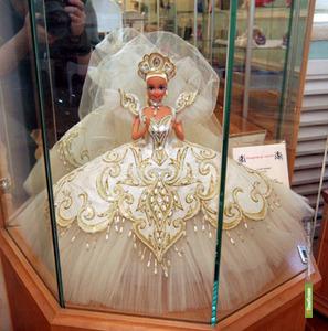 Куклы Барби оккупировали тамбовскую картинную галерею