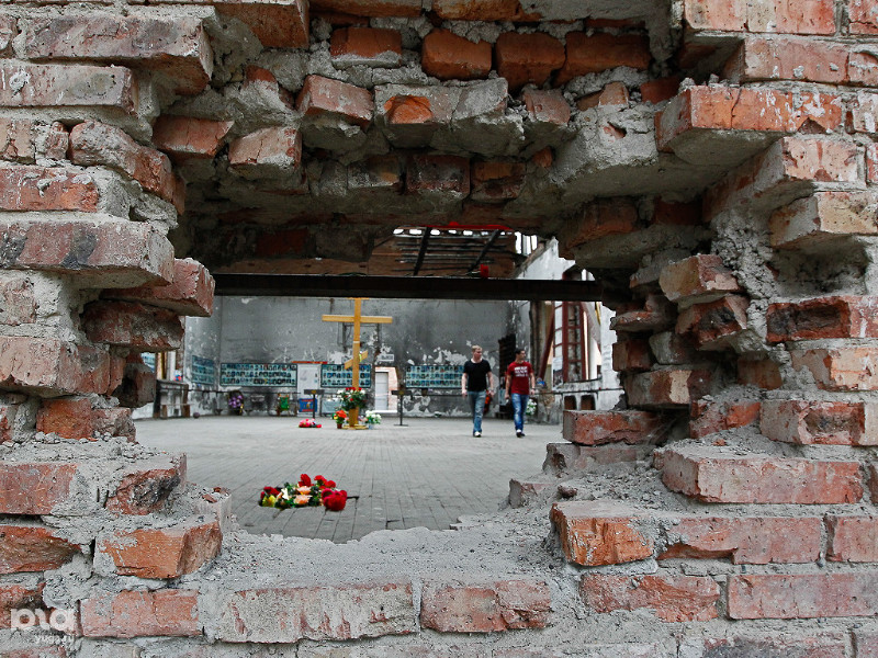 Десять лет спустя: Беслан вспоминает жертв теракта 1 сентября 2004 года
