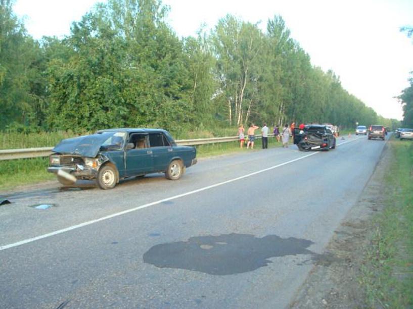 В Моршанском районе лоб в лоб столкнулись две машины