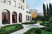 Во Франции продается роскошный особняк российского олигарха