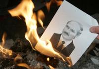 Белорусы будут митинговать, не отходя от кассы
