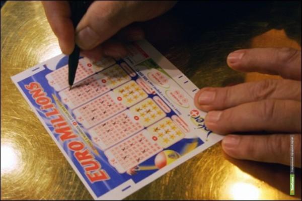 Житель Калифорнии выиграл в лотерею 636 миллионов долларов
