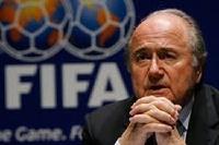 Президент ФИФА хочет дисквалифицировать команды за проявления расизма