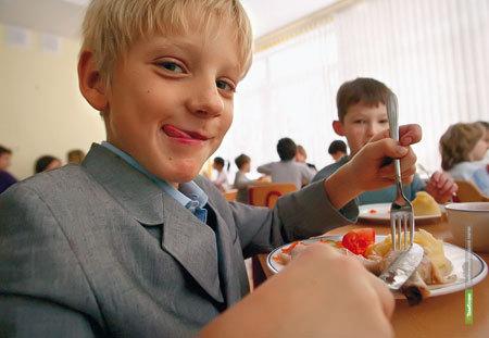 Школьные столовые приготовят свои фирменные блюда