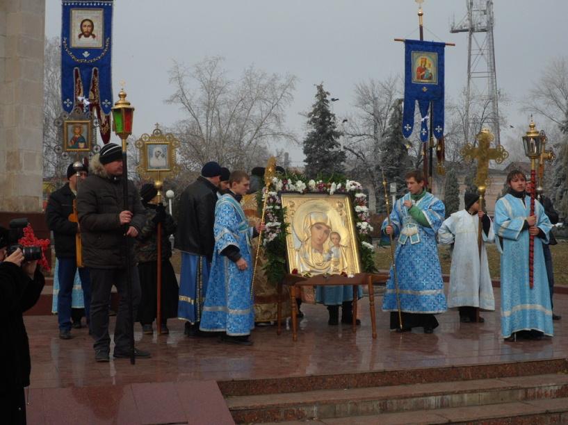 Мичуринские верующие прошли крестным ходом по улицам города