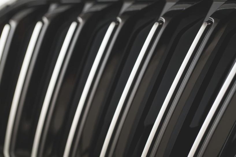 Стыдливо прикрытые: Audi, Hyundai и Skoda приоткрывают новинки