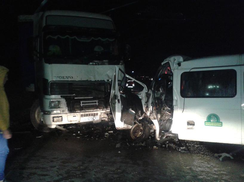 На трассе Тамбов-Пенза столкнулись три машины