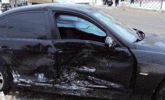 В центре Тамбова столкнулись BMW и Priora