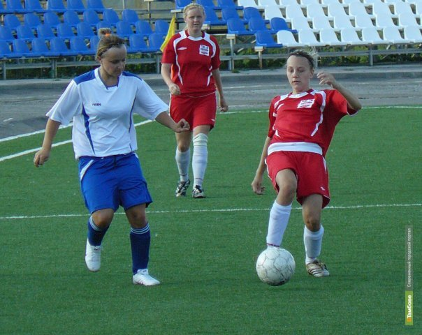 Женская «Академия футбола» поддалась напору орловчанок
