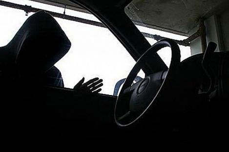В Кирсанове по горячим следам задержали автомобильного вора