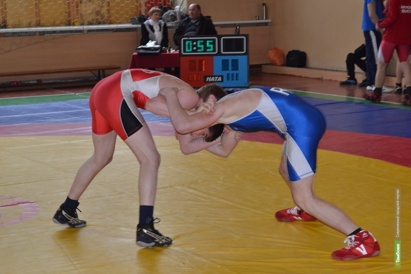 Два тамбовских борца пробились в мастера спорта