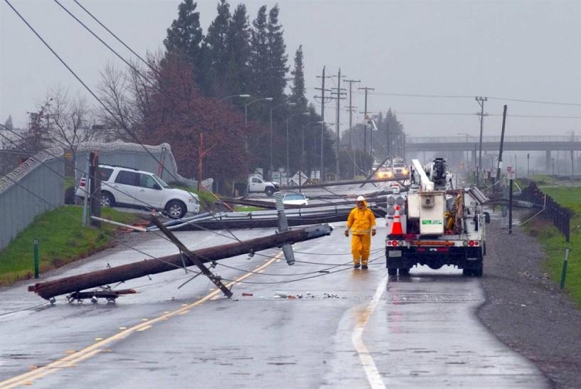 Ураган «Артур» оставил восточное побережье Канады без света