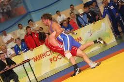 Тамбовские борцы с первенства ЦФО среди юниоров привезли одну золотую и две бронзовые медали