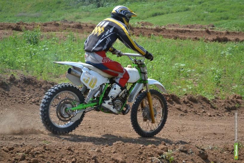 Мотоциклисты устроили спортивный заезд на тамбовском «Куршевеле»