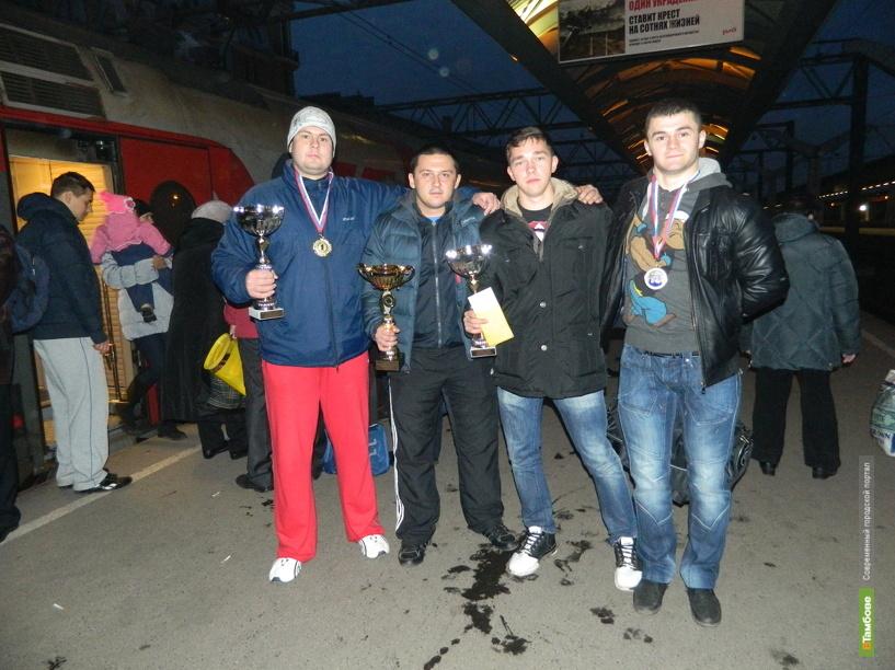 Тамбовчане завоевали три медали на состязаниях по пауэрлифтингу