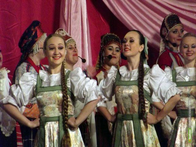 Тамбовский ансамбль «Ивушка» заработал для больных детей 130 тысяч рублей