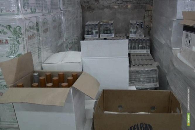 Тамбовчанина задержали за незаконную торговлю алкоголем через Интернет