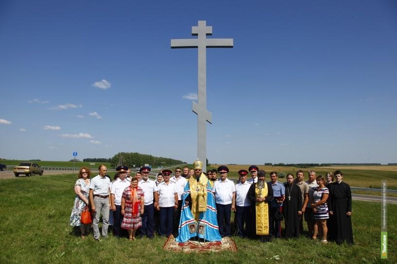 На въезде в Тамбов установили крест