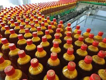 Чиновники отказались от запрета на пластиковую упаковку для пива