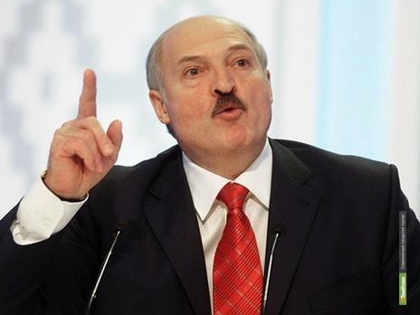 Лукашенко «пальцами тыкать» не собирается