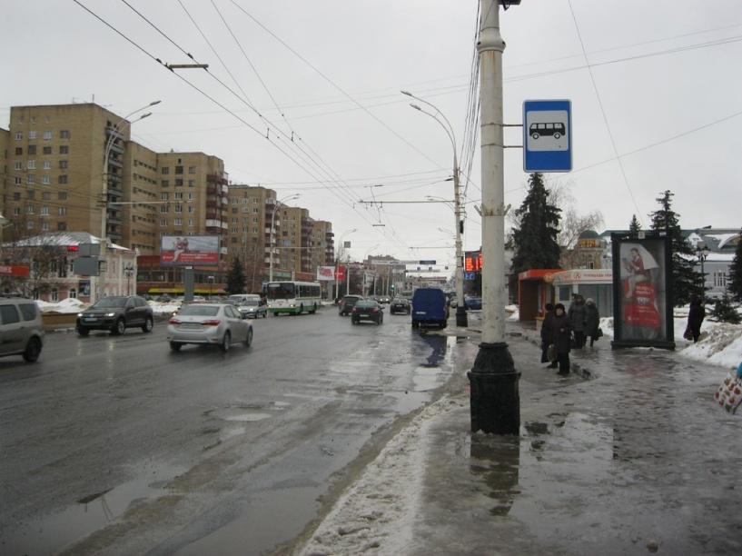 В центре Тамбова пассажирка выпала из автобуса