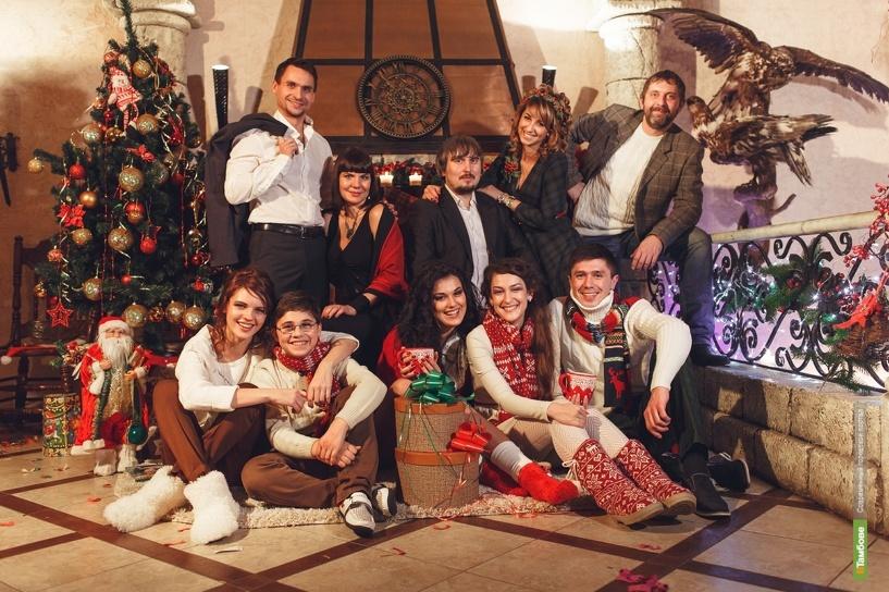 Артисты «Арены Звёзд» снялись в новогоднем клипе