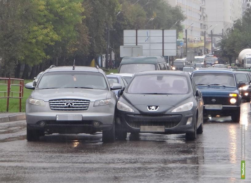 На севере Тамбова из-за ДТП образовался транспортный коллапс