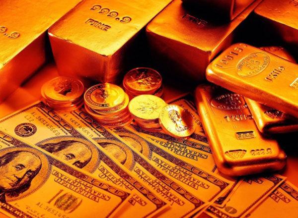 На полгода хватит. Золотовалютные резервы РФ сократились до восьмилетнего минимума