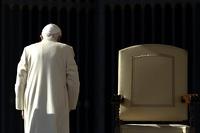 Нового римского папу могут избрать досрочно
