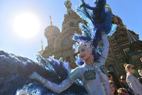 Полиция прервала шествие Cirque du Soleil по Петербургу