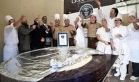 Итальянские кондитеры cделали самую большую в мире шоколадную монету