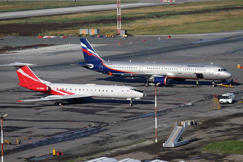 Выжить в кризис: авиакомпании либо поднимут цены, либо сократят перевозки