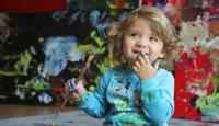 Самой юной в мире профессиональной художнице всего 4 года