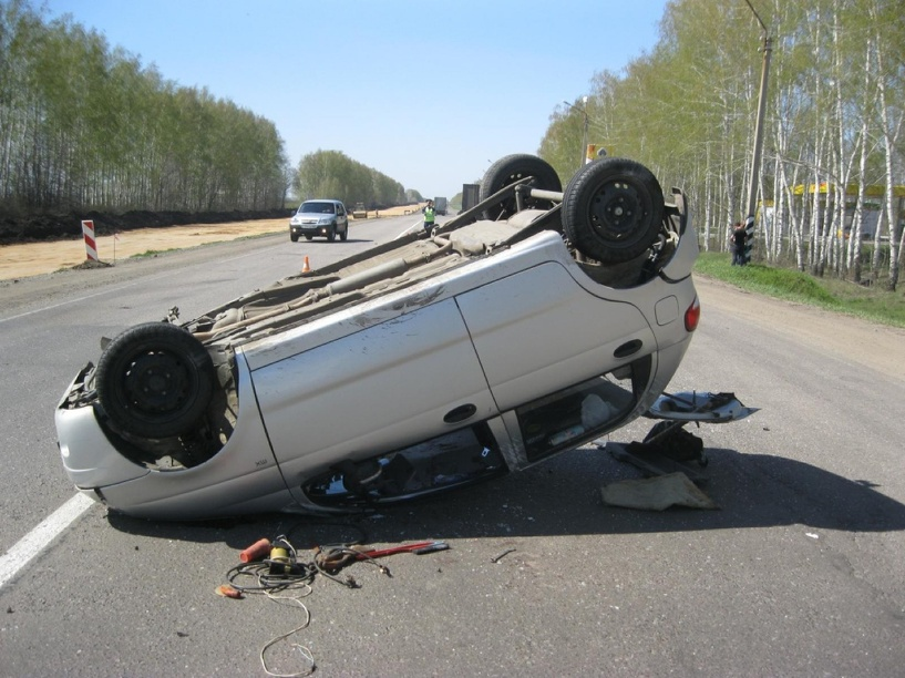 На трассе М6 «Каспий» Daewoo Matiz врезался в грузовик и перевернулся