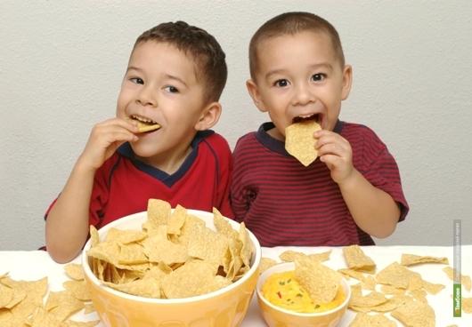 Любовь к чипсам сказывается на умственном развитии детей