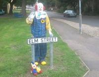 Журналисты разоблачили клоуна, пугавшего жителей британского города