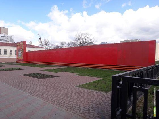 Большой стенд в память о Великой Отечественной войне с Советской уберут
