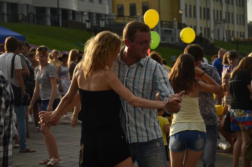 Тамбовчан научат танцевать сальсу, реггетон и бачату