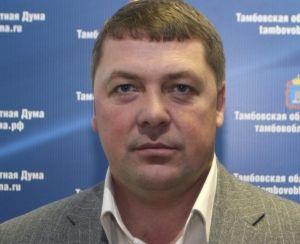 Самый большой доход за год в облдуме получил Андрей Андреев