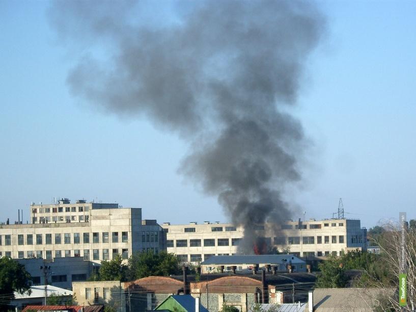 На тамбовском тракторном заводе загорелись трубы