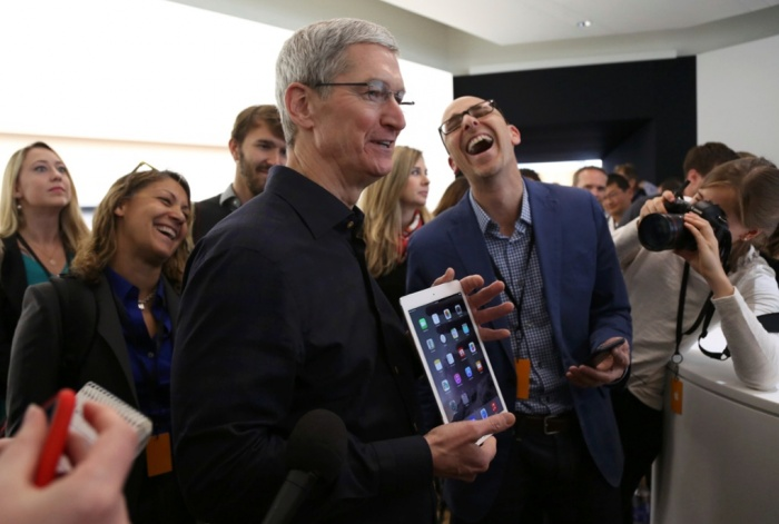 Apple презентовала самый тонкий в мире планшет iPad Air 2
