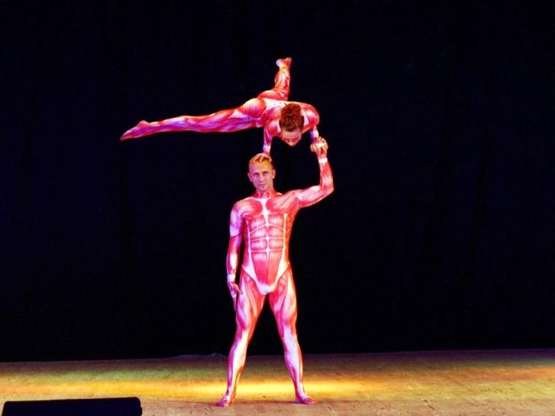 Мичуринские акробаты поразили жюри всероссийского фестиваля