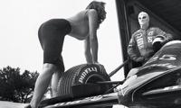 Pirelli выпустил календарь на 2014 год со снимками 30-летней давности