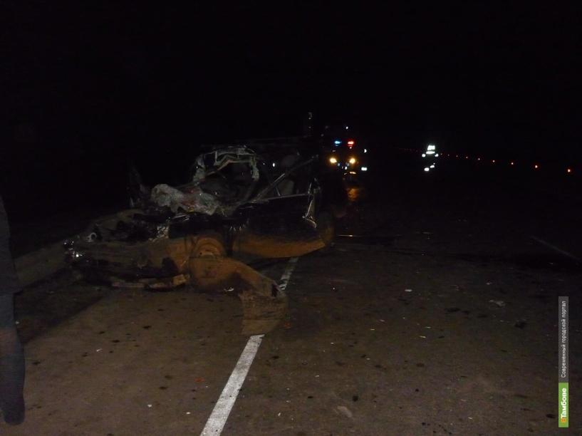 На Тамбовщине водитель «десятки» отвлекся от управления и «влетел» в КАМАЗ