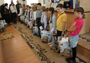 Власти Тамбова купили канцтовары для 40 подростков