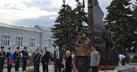В Тамбове появился памятник композиторам Шатрову и Агапкину