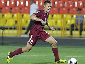 Российский футболист выплатит премию олимпийской чемпионке