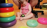 Усыновлять сирот позволят людям с онкологией